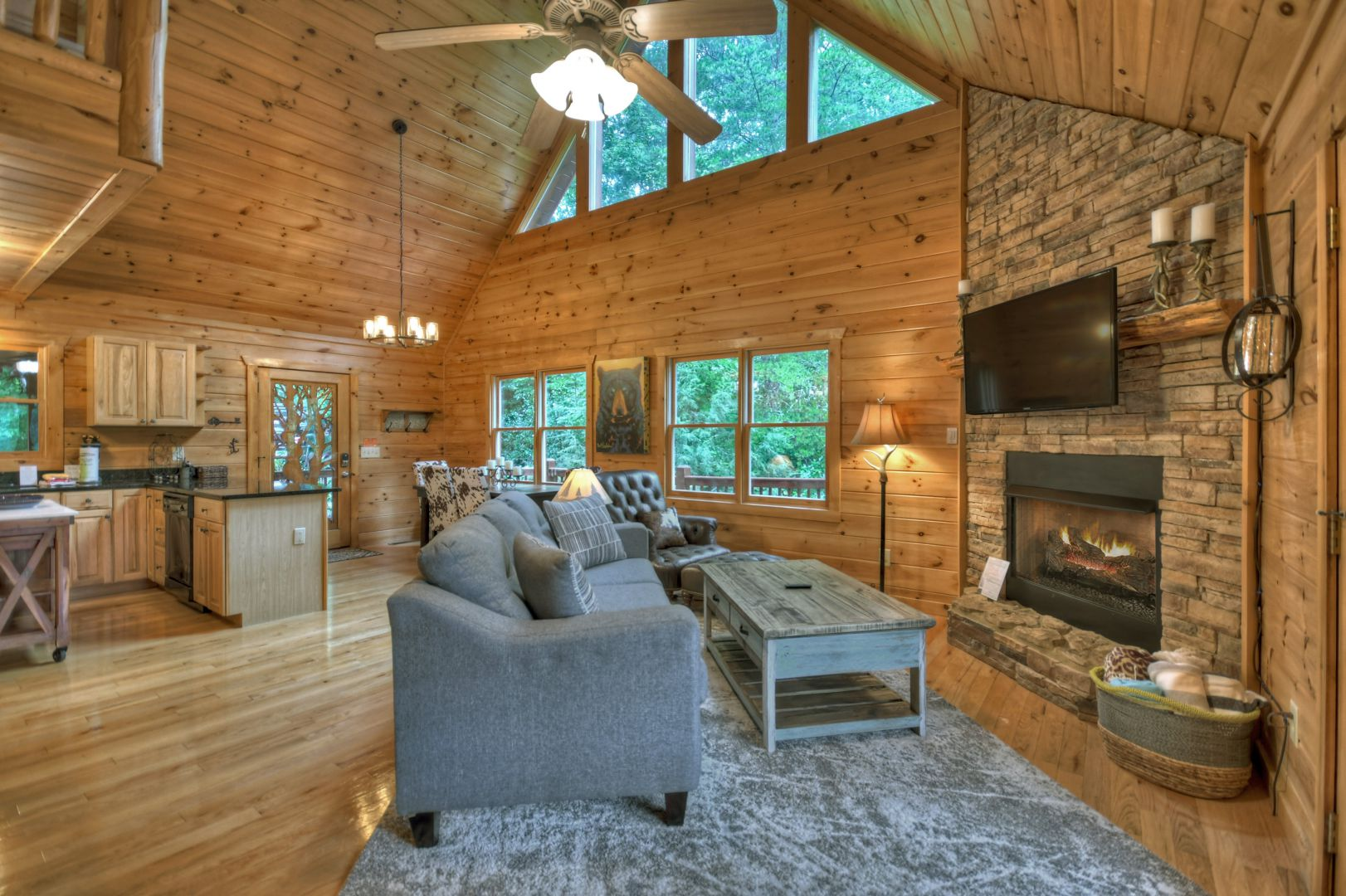 Dancing Bear Retreat Cabin Rental
