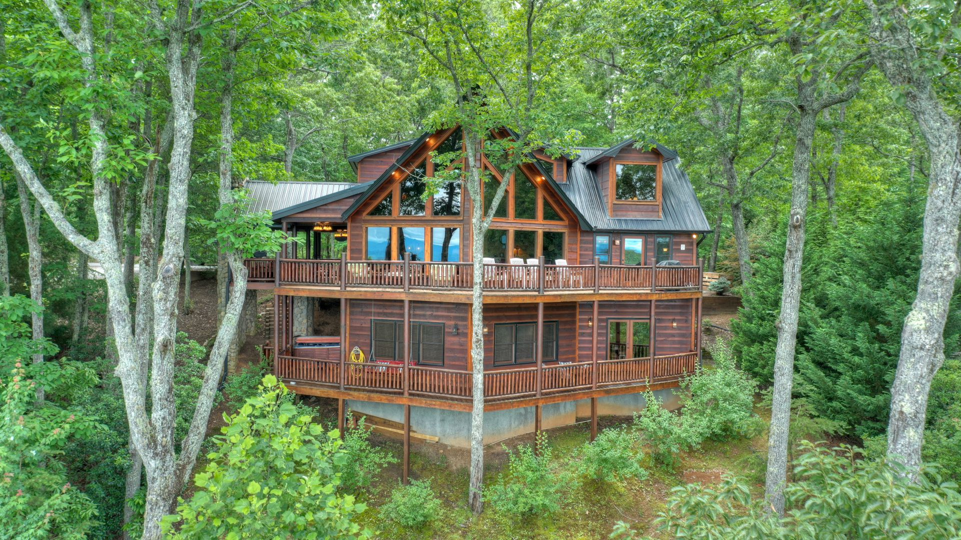 Heaven`s Doorstep Cabin Rental
