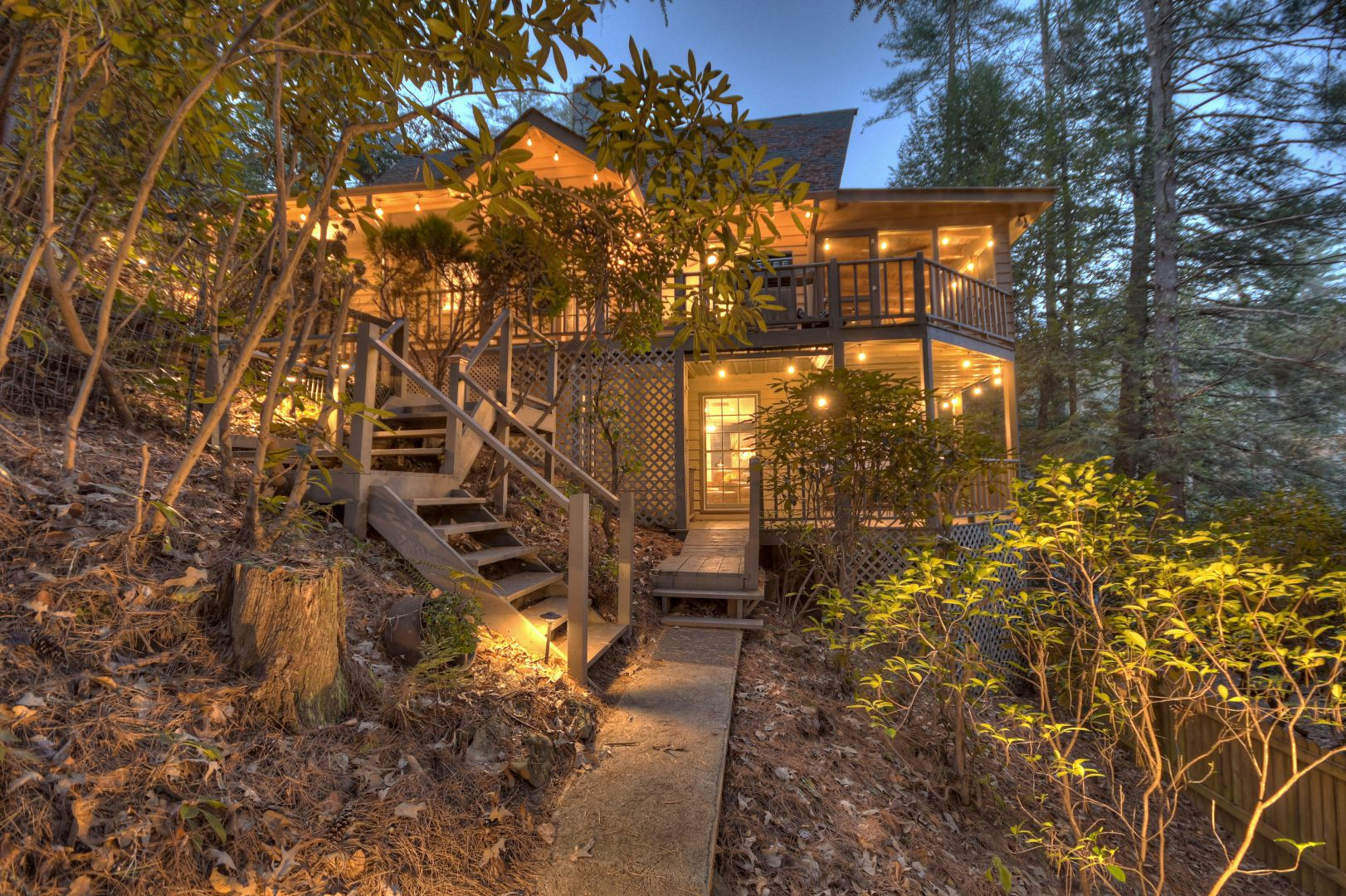Toccoa Cedars on the River Cabin Rental