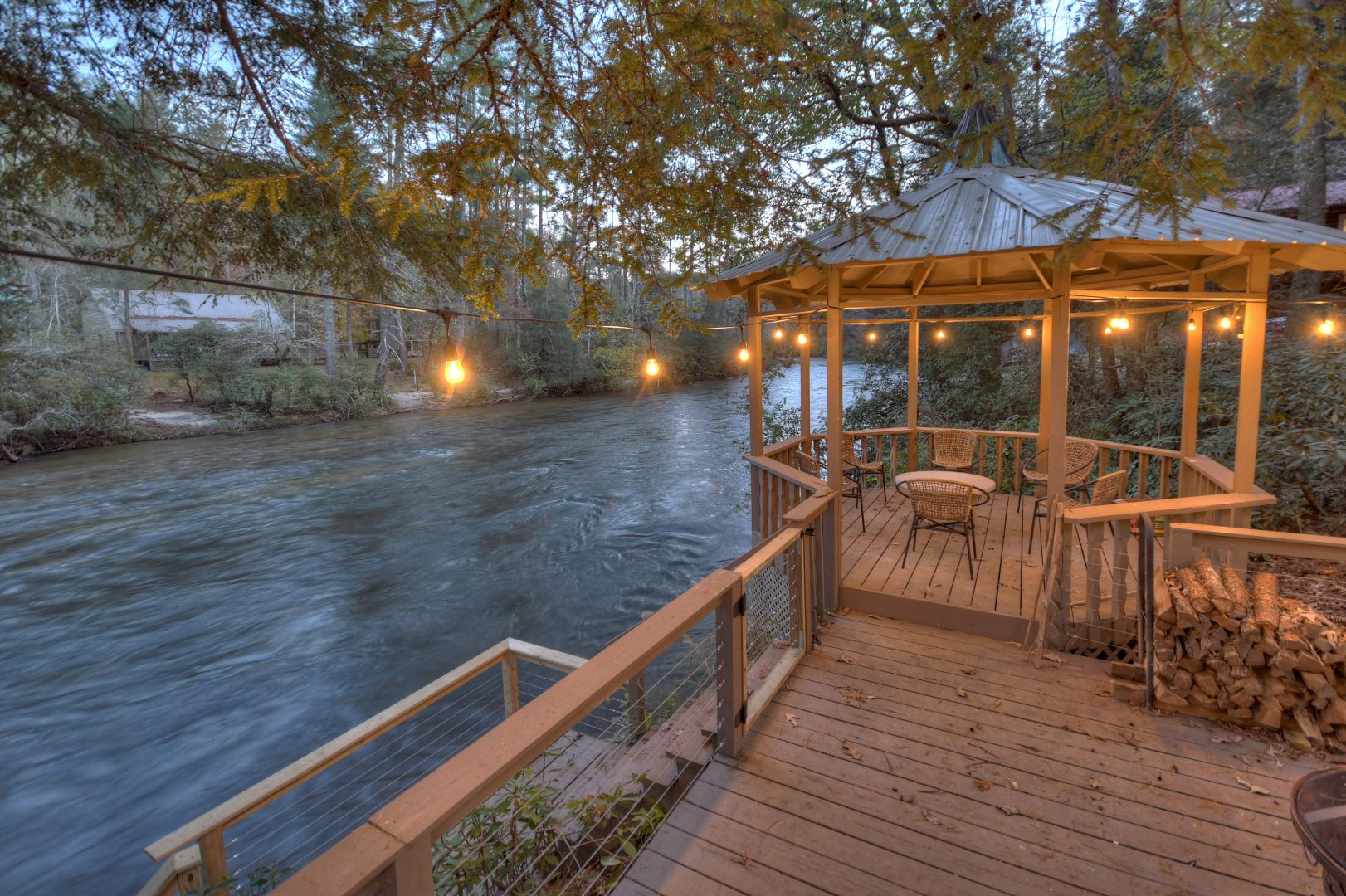 Toccoa Cedars on the River Rental Cabin