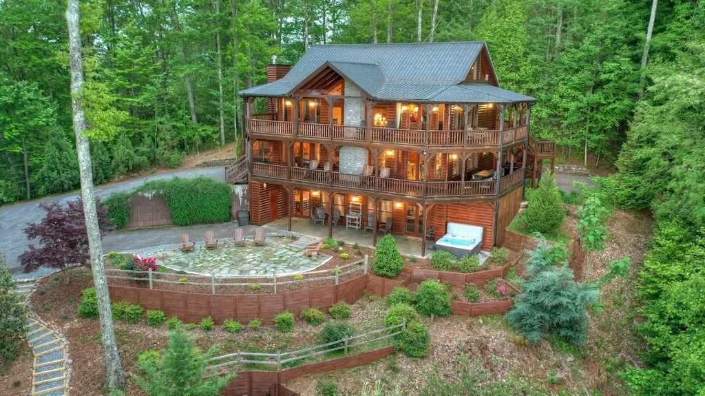 Aska Ridge Lodge Rental Cabin
