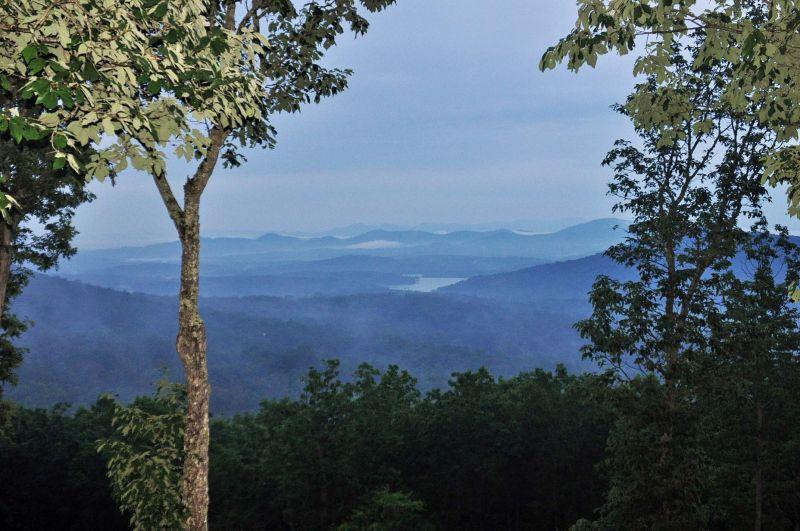 Heaven`s Doorstep | North Georgia Cabin Rentals