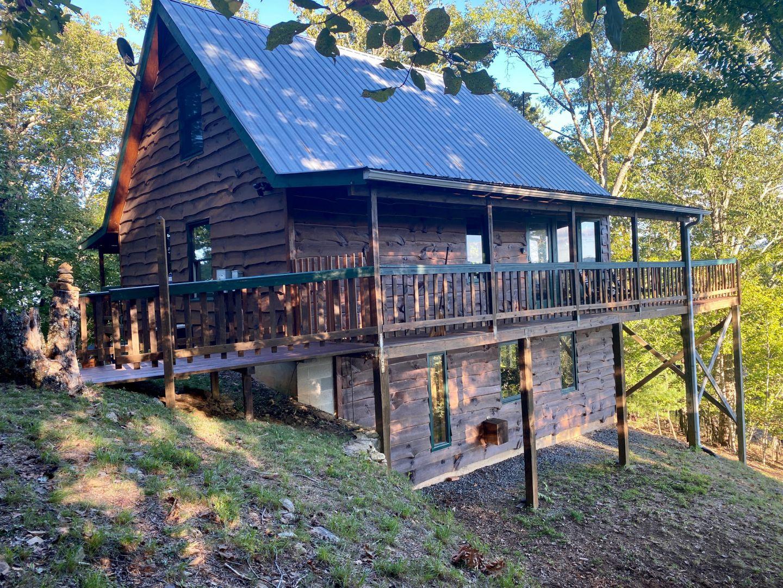 Hideaway Chalet Cabin Rental
