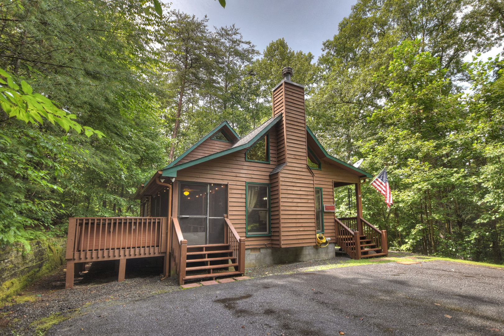 Snuggle Inn Rental Cabin