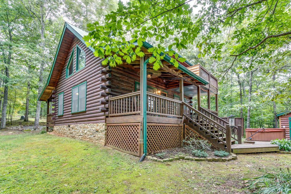 Bear Foot Ridge Rental Cabin