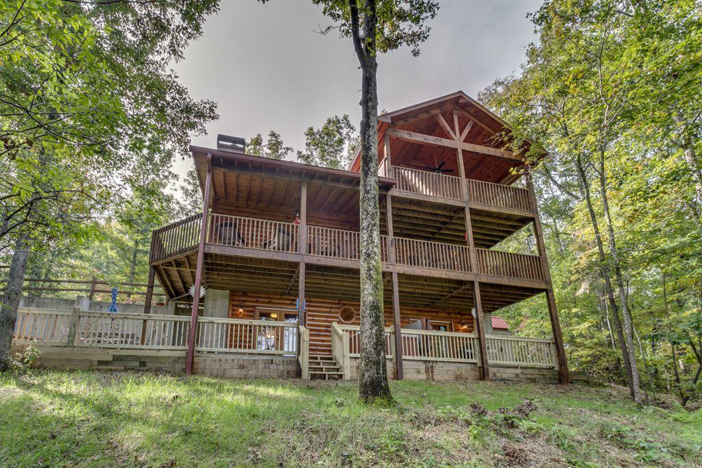 Country Dreams Rental Cabin