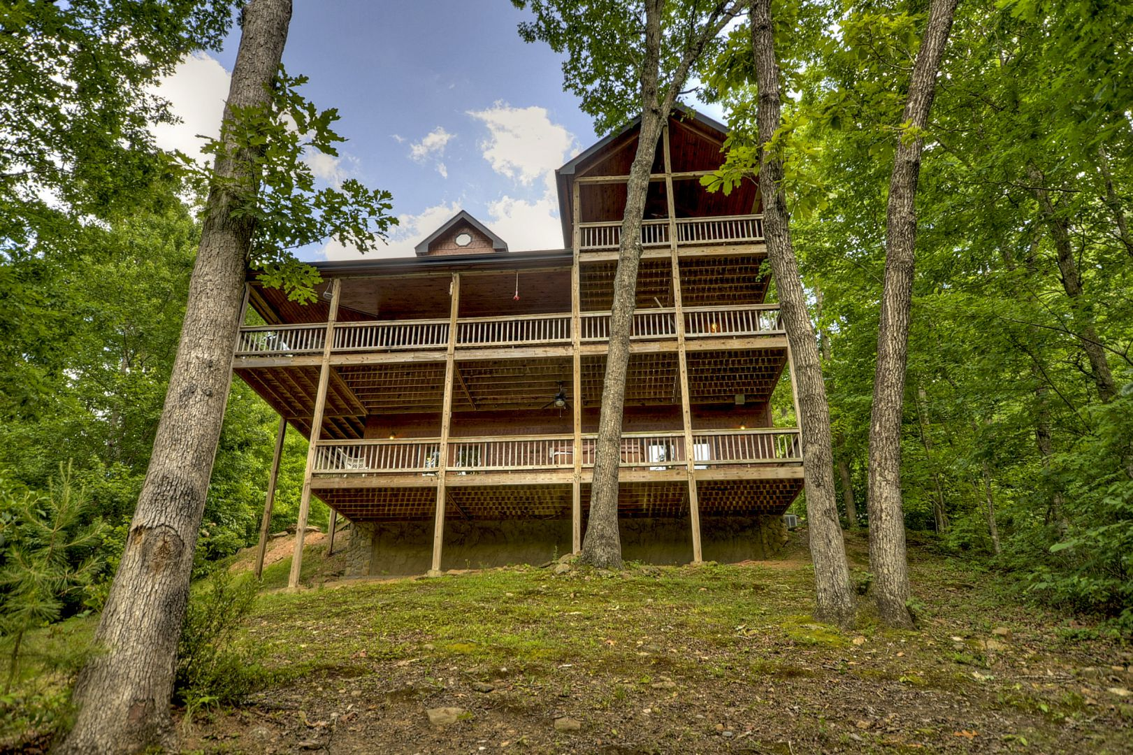 Crooked Creek Rental Cabin