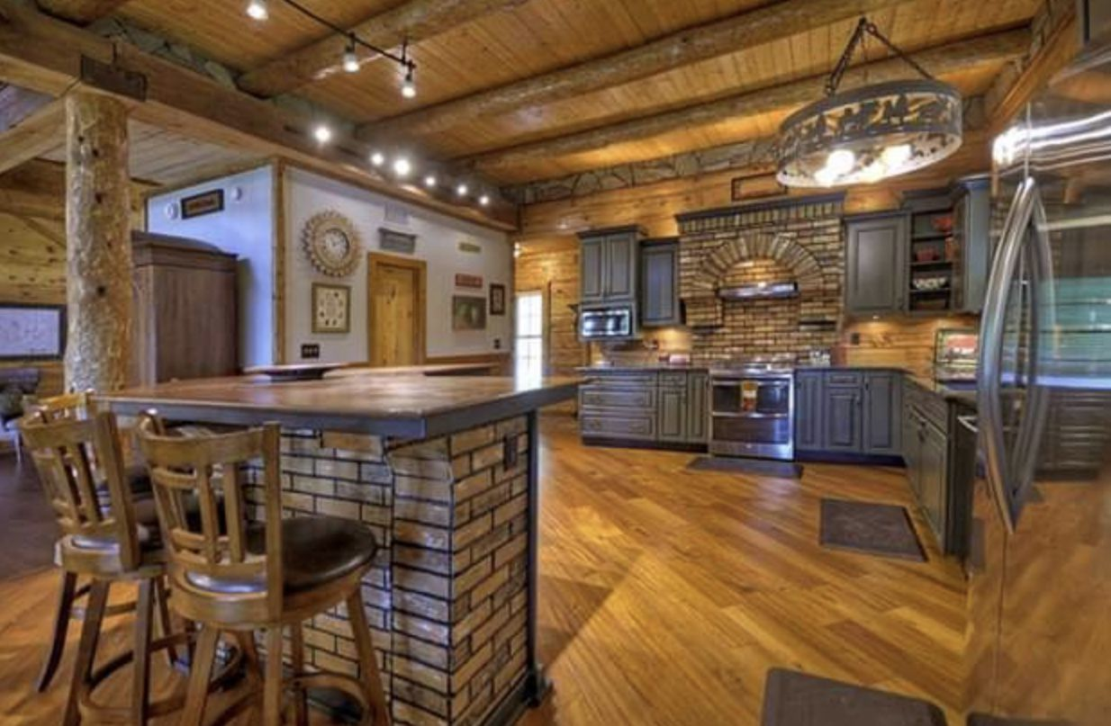 Fox Run Lodge Rental Cabin | Cuddle Up Cabin Rentals on Blue Fox Outdoor Living id=16684
