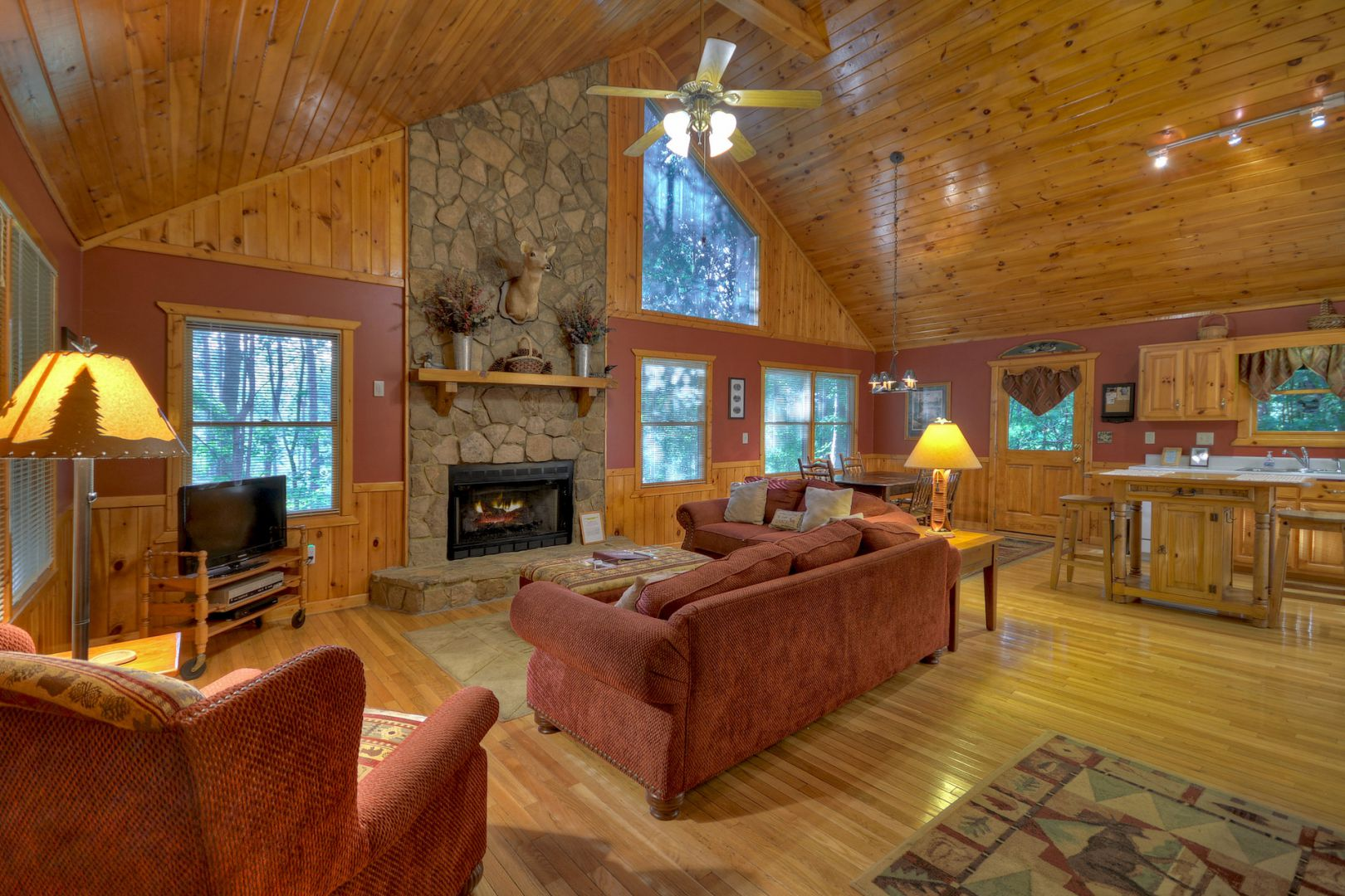 Affordable Car Rental >> Loon Loft Cabin Rental Cabin | Cuddle Up Cabin Rentals